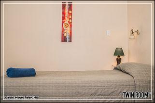 Oasis Motel Peak Hill - book Twin Room - 024