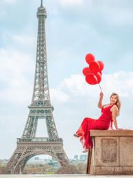 ofotografodeparis-Fotografo-em-Paris-Torre-Eiffel-Garota-Vestido-Vermelho-Balões.jpg