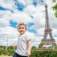 Criança-Torre Eiffel-Jardins do Trocadero