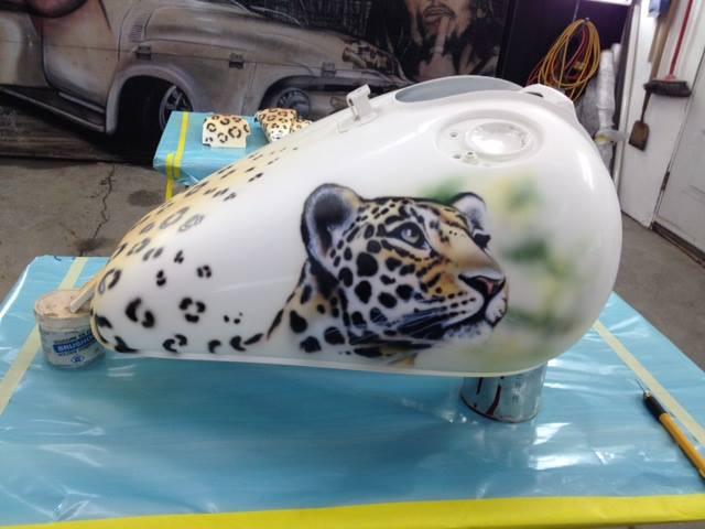 Tigre au airbrush sur carosserie | Yan Pigeon artiste et peintre Quebecois 3