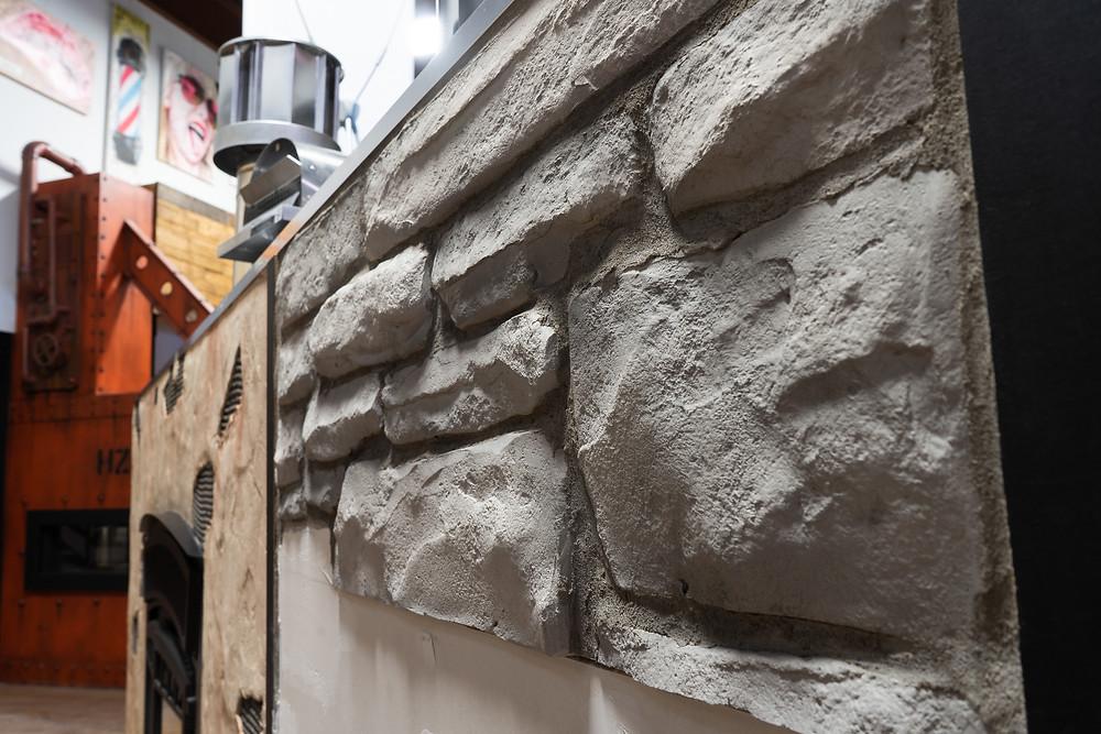 Fini de mur en pierre blanche | Décoration intérieur au airbrush | Yan Pigeon artiste et peintre Québec 7