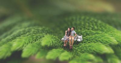 Photo mariage | Photo de pré-mariage dans un conte de fée inspiré de Thumbelina