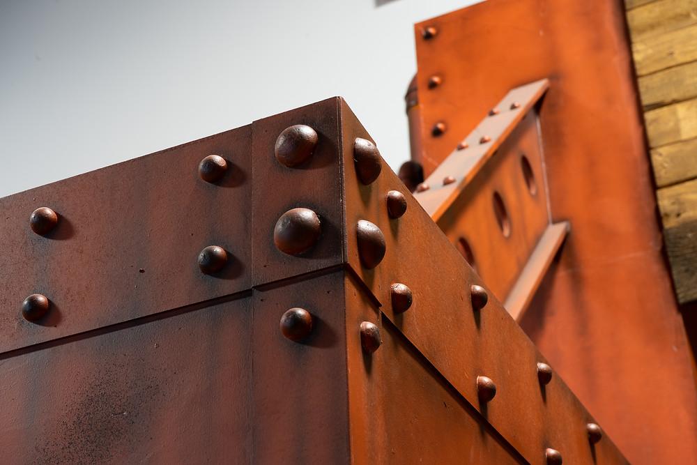 Décor de métal - Faux fini de mur en métal et effet rouille | Peinture au airbrush à Québec 3