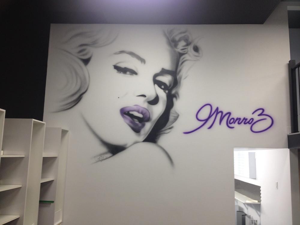 Art murale   Peinture de Marilyn Monroe à Québec au airbrush   Yan Pigeon