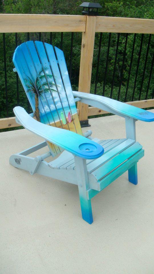 Création au airbrush sur chaise de plage | peinture sur meuble par Yan Pigeon artiste et peintre Québécois 3