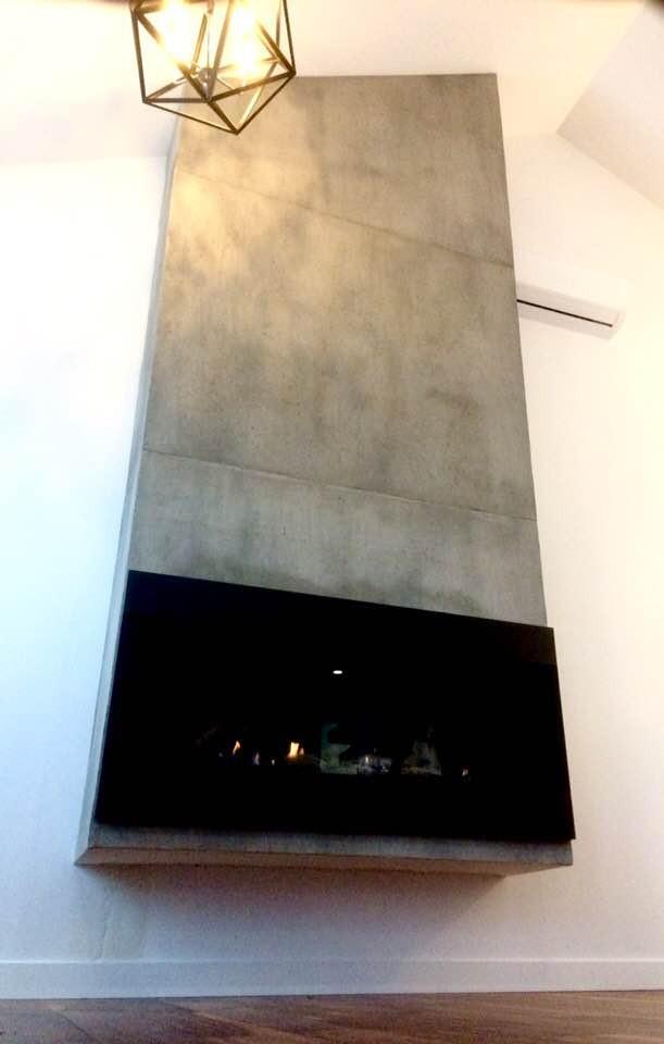 Foyer en fini murale de faux ciment | Peinture airbrush par Yan Pigeon