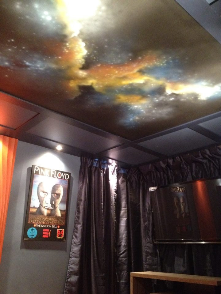Design murale de galaxie | Deco et peinture au airbrush | Yan Pigeon artiste à Québec