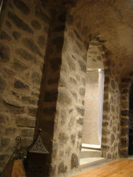 Fini murale en pierre | Décoration intérieure | yan pigeon artiste et peintre à Québec