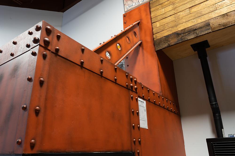 Décor de métal - Faux fini de mur en métal et effet rouille | Peinture au airbrush à Québec 4