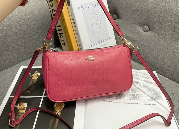 COACH TOP HANDLE POUCH IN PEBBLE LEATHER