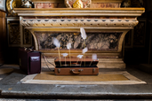 Les plumes, ou la frappe de Narcisse - DNA - Chapelle du musée dauphinois - Grenoble