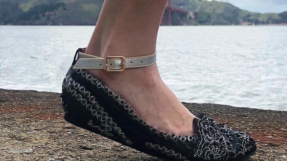 Daphne Black/Silver FlipSlips