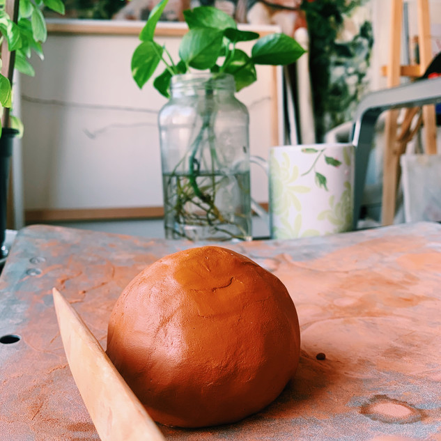 First step with the clay was to hollowed out a clay sphere