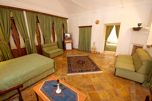Laleh Hotel 4