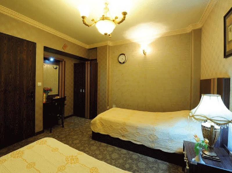 Aseman hotel 9