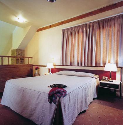 Parsian Tourist Toos Hotel 2