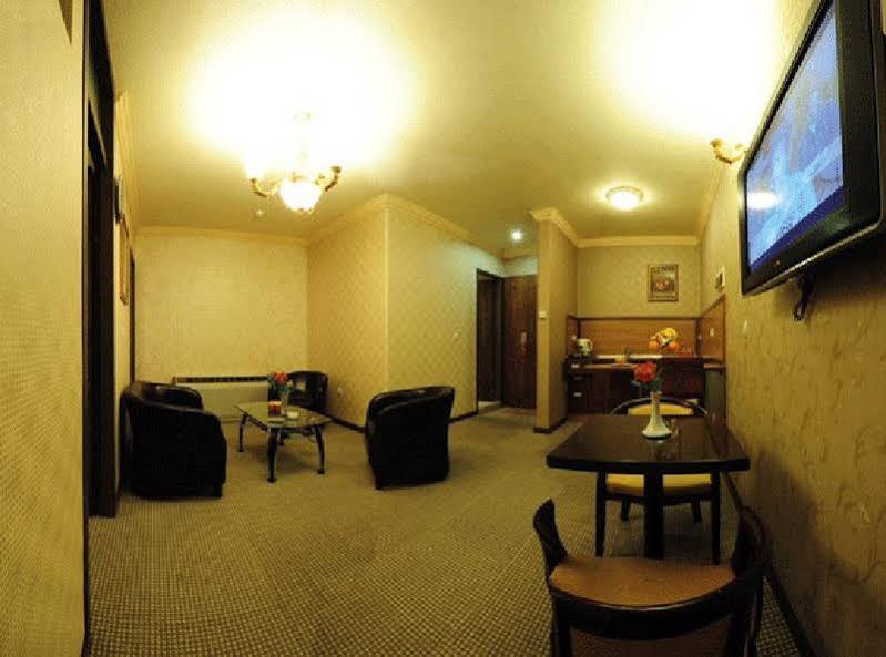 Aseman hotel 13