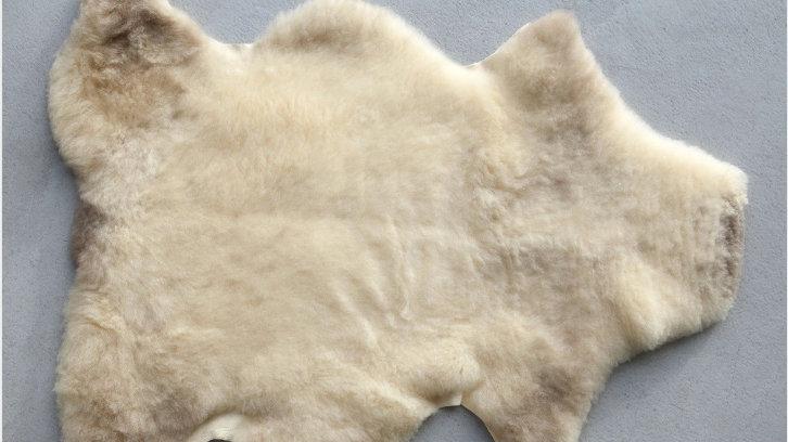 PEAU D'AGNELET laine courte et douce