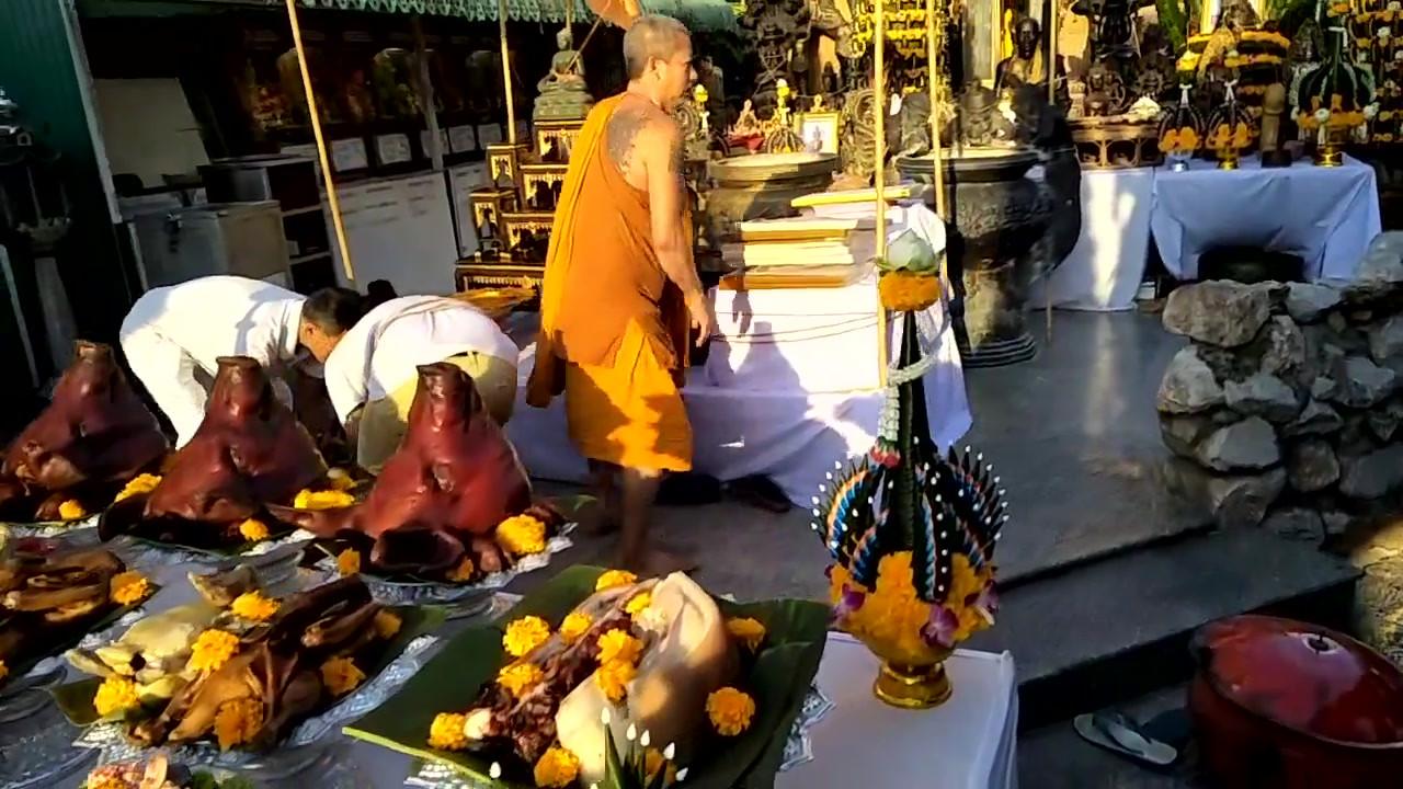 Most Famous Jatukam Temple ( Wat Kohong) Waikru 2018