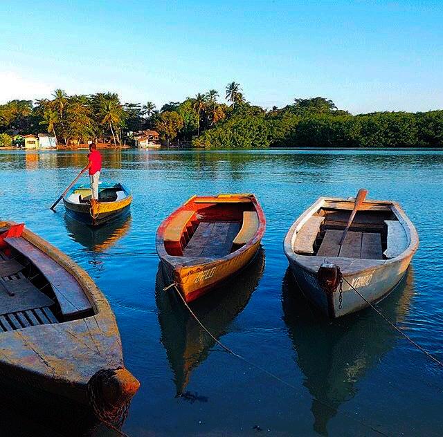 Canoas em Caraíva