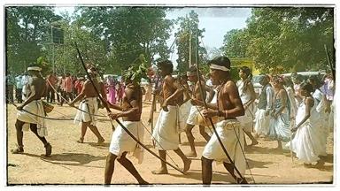 छत्तीसगढ़ के भुंजिया समाज पारम्परिक नृत्यों के जरिये अपने आदिवासी पहचान को बचा रहे हैं