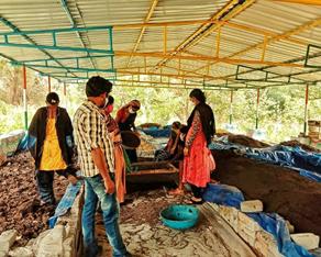 छत्तीसगढ़ के गौठनों में महिलाओं द्वारा किया जा रहा है जैविक खाद का उत्पादन