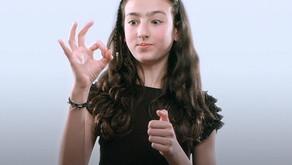 """""""Давай дружить"""" на языке жестов"""