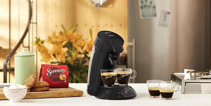 Machine à café qui permet la préparation du thé