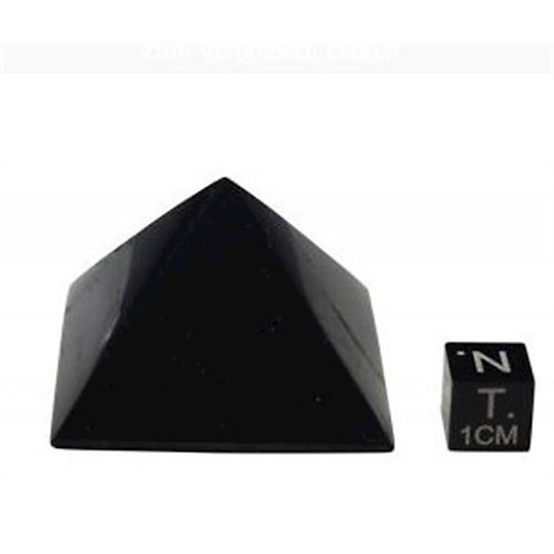 Schungit Pyramide 4x5cm