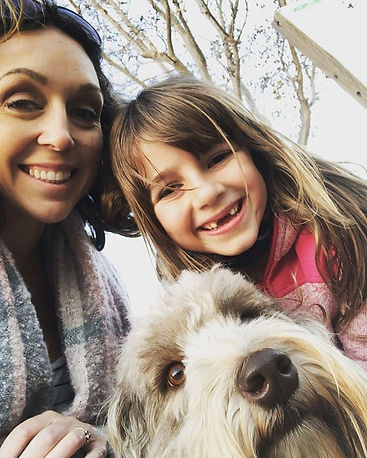 Eva said let's take a selfie with Daisy.