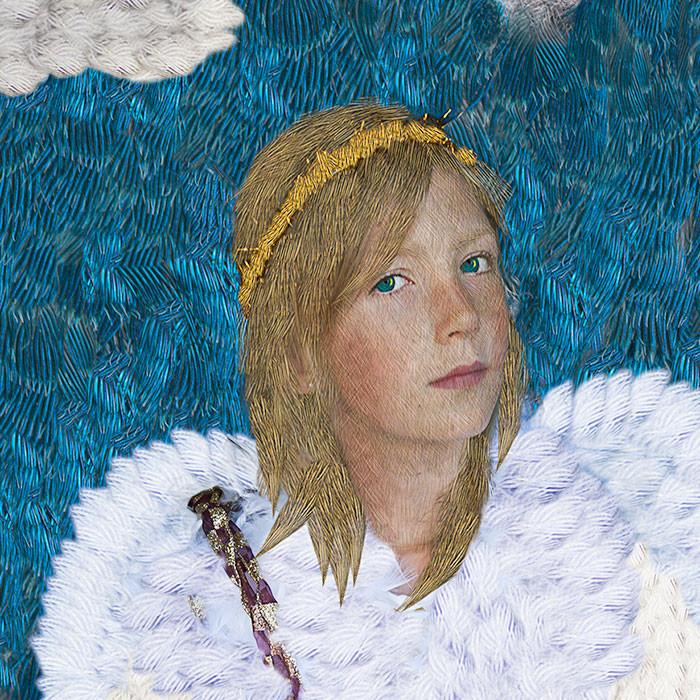 Detail, Lola as Angel