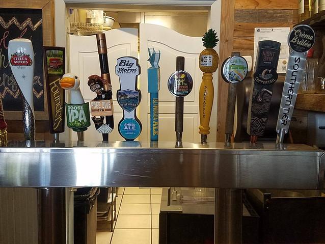 Island House Siesta Key craft beer tap.j