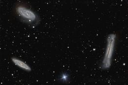 M65-M66 & NGC 3628 (Laurent).jpg
