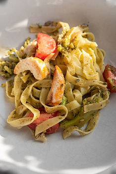 "Dushi & Simpel Pasta pesto met broccoli en ""shrimps"""
