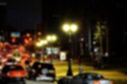 Globo Republicano Médio em Polietileno - Aceso a noite na cidade.