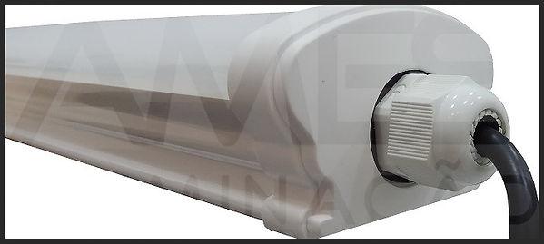 Luminária Hermética IP65 com Placa Led 18w e 32w - detalhe do prensa cabo, acompanha cabo PP, luminária fechada hermeticamente, modelo estanque, IP65, instalação sobrepor