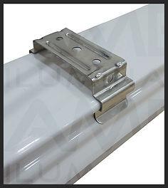 Luminária Hermética IP65 com Placa Led 18w e 32w - detalhes, presilha sobrepor, instalação sobrepor no teto, presilha com pressão para encaixe