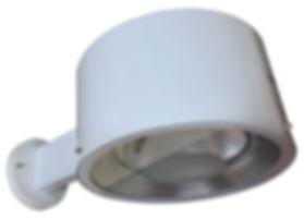 Luminária externa de parede fabricada em chapa de alumínio e vidro temperado plano. Refletor em alumínio stucco para lâmpadas HQI palito 70W ou 150W. Cores branca ou preta.