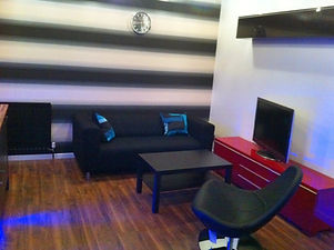 20-the-poplars-lounge-2.jpg