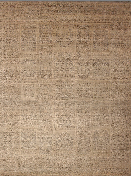 Fine Bamboo Silk and Wool Indian Rug | 7.9 X 10.1