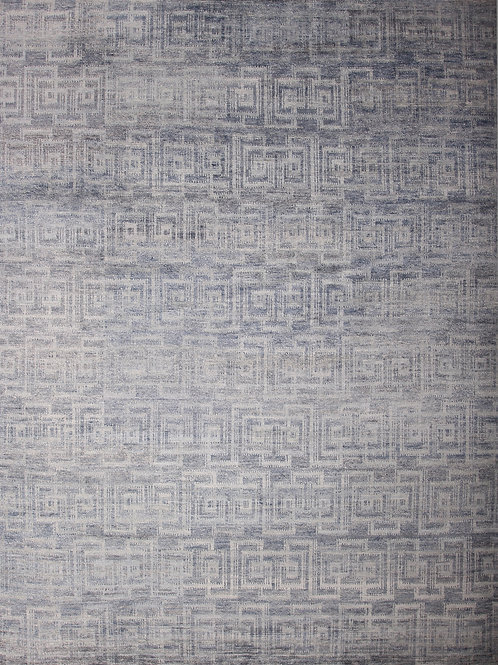 Handmade Viscose Greek Key Design Rug | 7.9 X 10.4