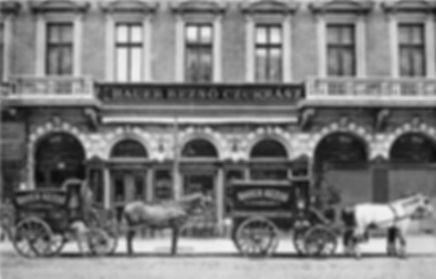 Hauer cukrászda 1900-körül.jpg