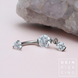 Industrial Strength Bauchnabelpiercing