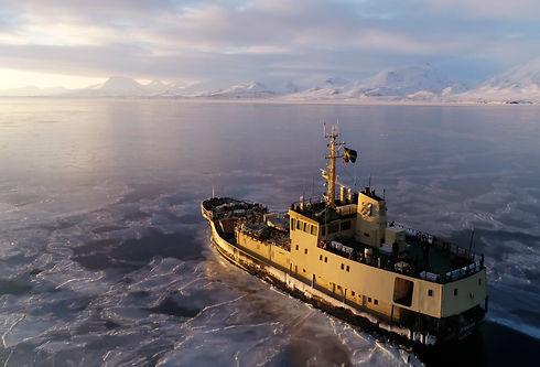 ArcticMelissaFredrik_026.jpg