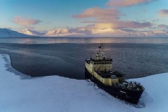 arctic expedition svalbard melissa fred fredrik freya