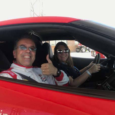Chevrolet oferece experiência com Corvette em pista de Las Vegas