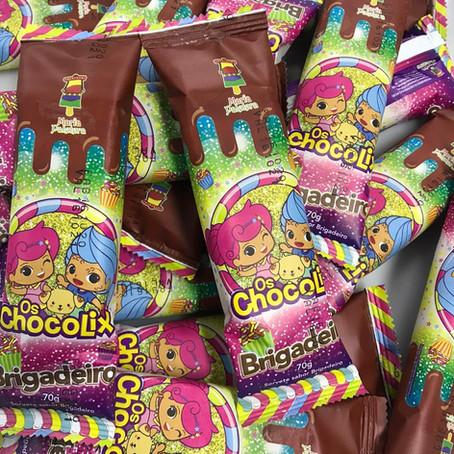 Os Chocolix lançam picolé em parceria com Maria Paletera
