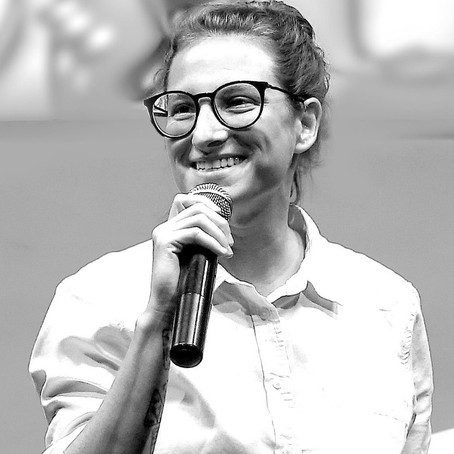 "R. Talks entrevista Daniela Klaiman sobre o tema ""O futuro dos criadores e do storytelling"""