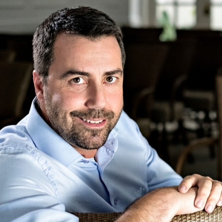 R. Talks entrevista Carlos Ferreirinha sobre o tema: Resiliência, ressignificação e reação