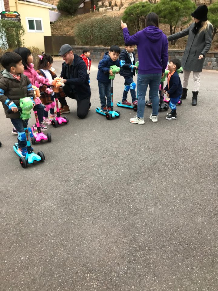 A Christmas scooter race